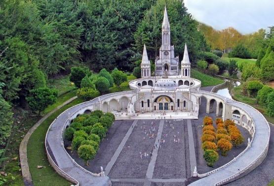 Pellegrinaggio a Lourdes dal 10 al 15 settembre 2021- 6 gg. hotel 3*s.-bevande comprese e Tasse+Assicurazione Medico no stop + bagaglio